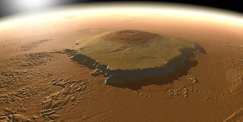 Марсианская гора Олимп
