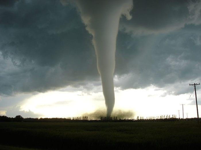 Как появляется торнадо?