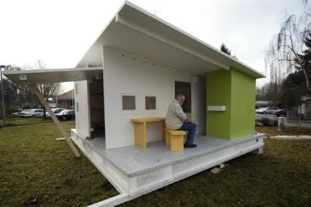 Дом из бумаги для беженцев