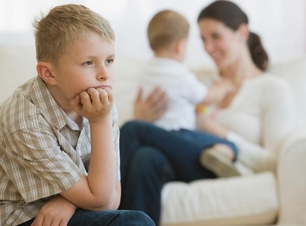 Ревность как детская травма