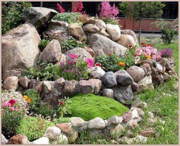Для «каменистой горки» укладываем камни.
