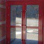 Покраска алюминиевых дверей