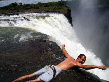 Бассейн дьявола у водопада Виктория   Зимбабве