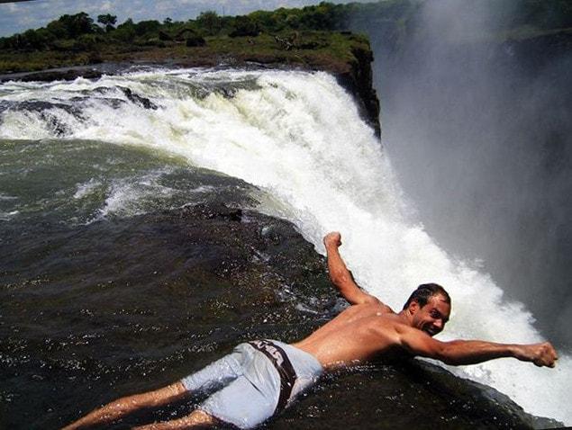 Бассейн дьявола у водопада Виктория | Зимбабве
