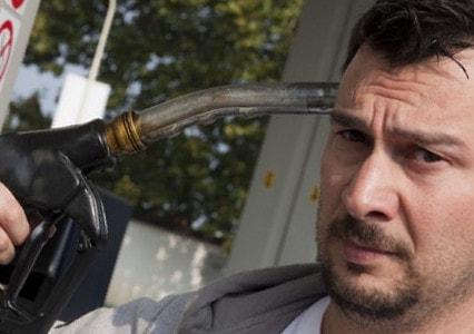 Что будет, если залить бензин в дизельный двигатель?