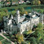 Замок Глубока-над-Влтавой с высоты