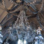Костница в Чехии люстра