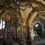 Замок Жлебы интерьер кости