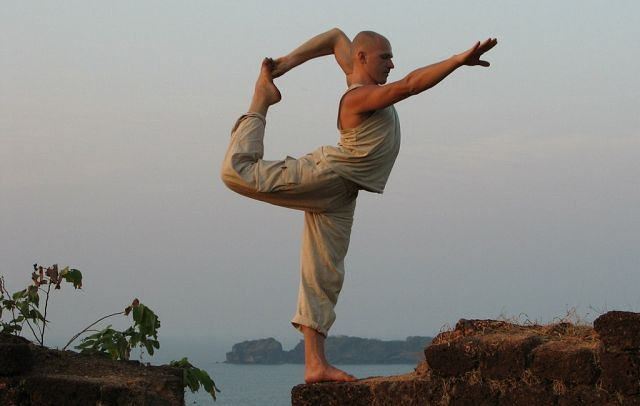 Вред йоги для человека