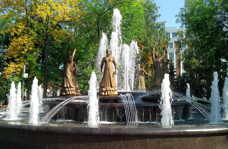 Фонтан Семь девушек